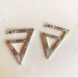NEW Gold Triangle Design Hoops 🔽